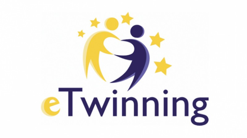 "Dalyvaujame eTwinning projekte ""Compelling and healthful learning"""